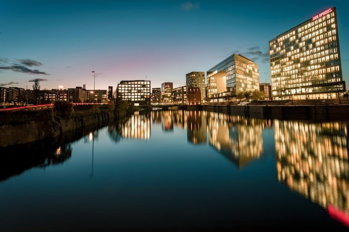 MAGNA/ Baugenehmigung für 69 Wohnungen in Hamburg (Foto: Jörg Angeli on Unsplash)
