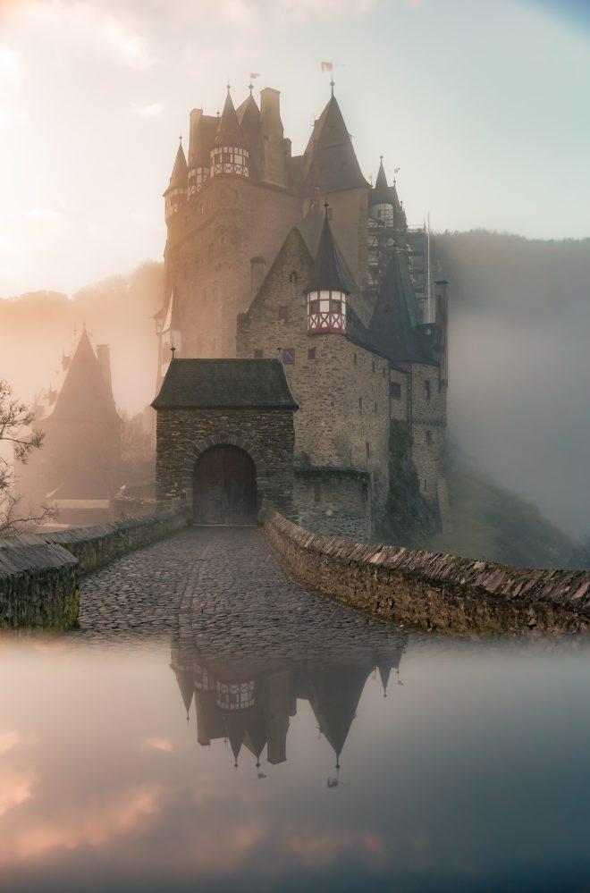 Einzigartiger Luxus: Umbauten von Schloss zu Haus (Foto: Tim Rebkavets Follow Message on Unsplash)